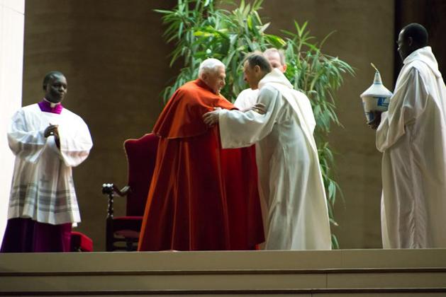 Papst Beneidet XVI. und Pater Alois