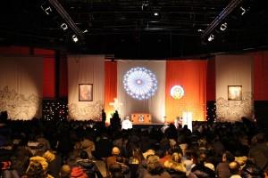 Gebet in den Messehallen Wacken in Straßburg