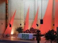 6in der kirche 1.jpg